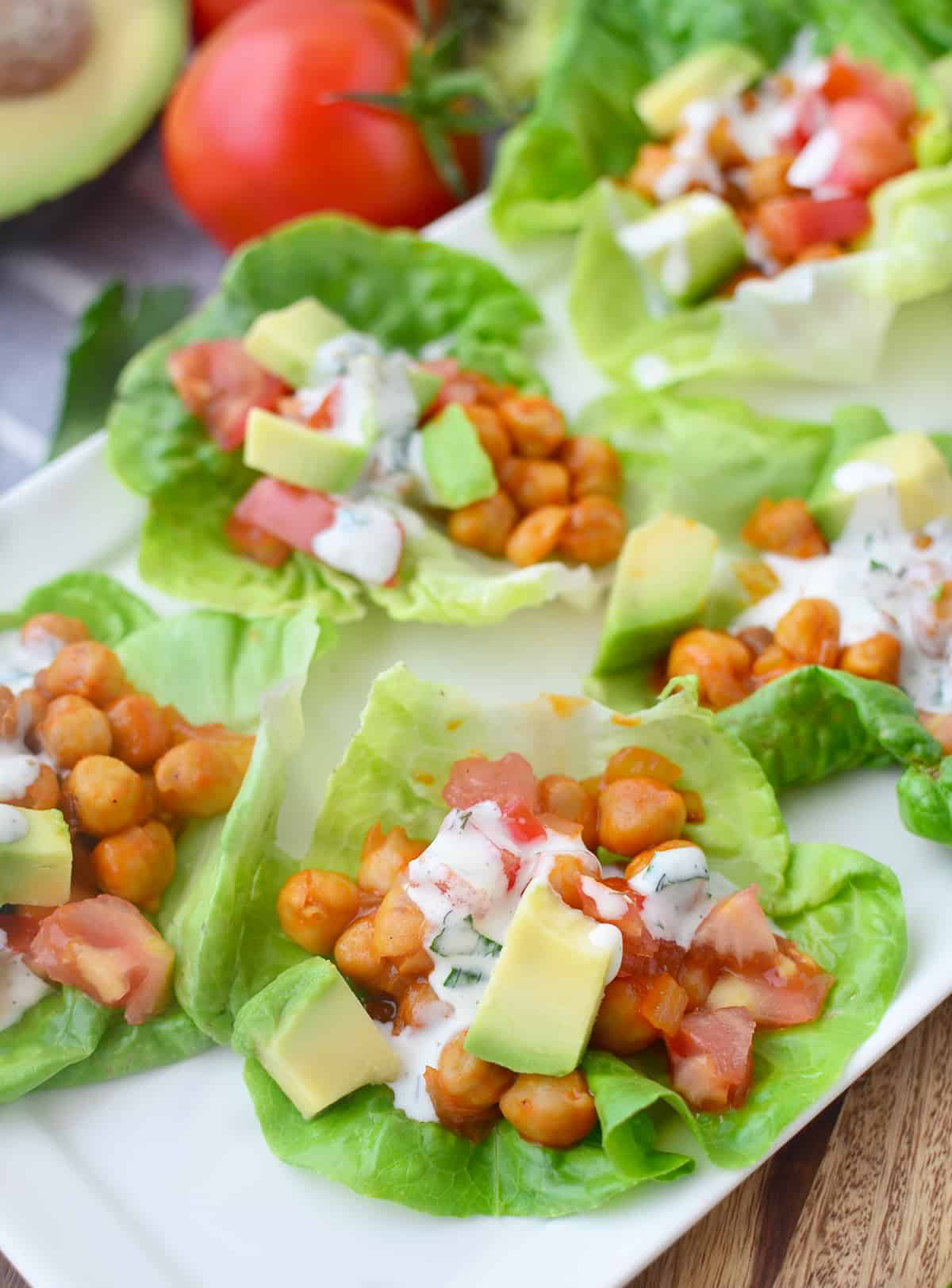 Buffalo Chickpea Lettuce Wraps! You are going to love these vegan and gluten-free wraps, ready in less than 20 minutes! #vegan #glutenfree #healthy | www.delishknowledge.com