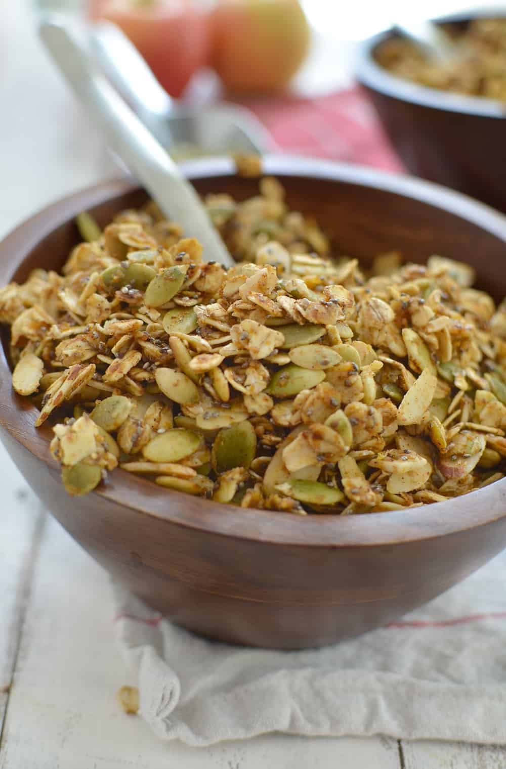 Granola made simple- and healthy! Skillet Pumpkin Granola- ready in just 10 minutes! Cook everything on the stove and enjoy. Vegan and Glutenfree. | www.delishknowledge.com